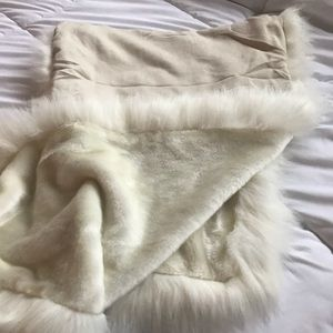White fur shawl
